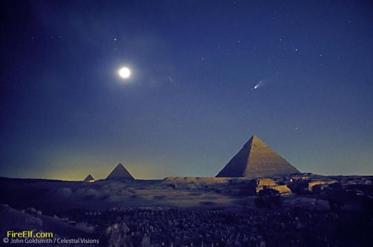 Comet-Hale-Bopp-Above-The-Great-Pyramids-Of-Giza-In-1997